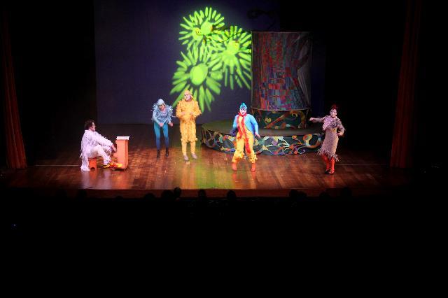 Teatro Municipal recebe ópera infantil em comemoração ao Dia das